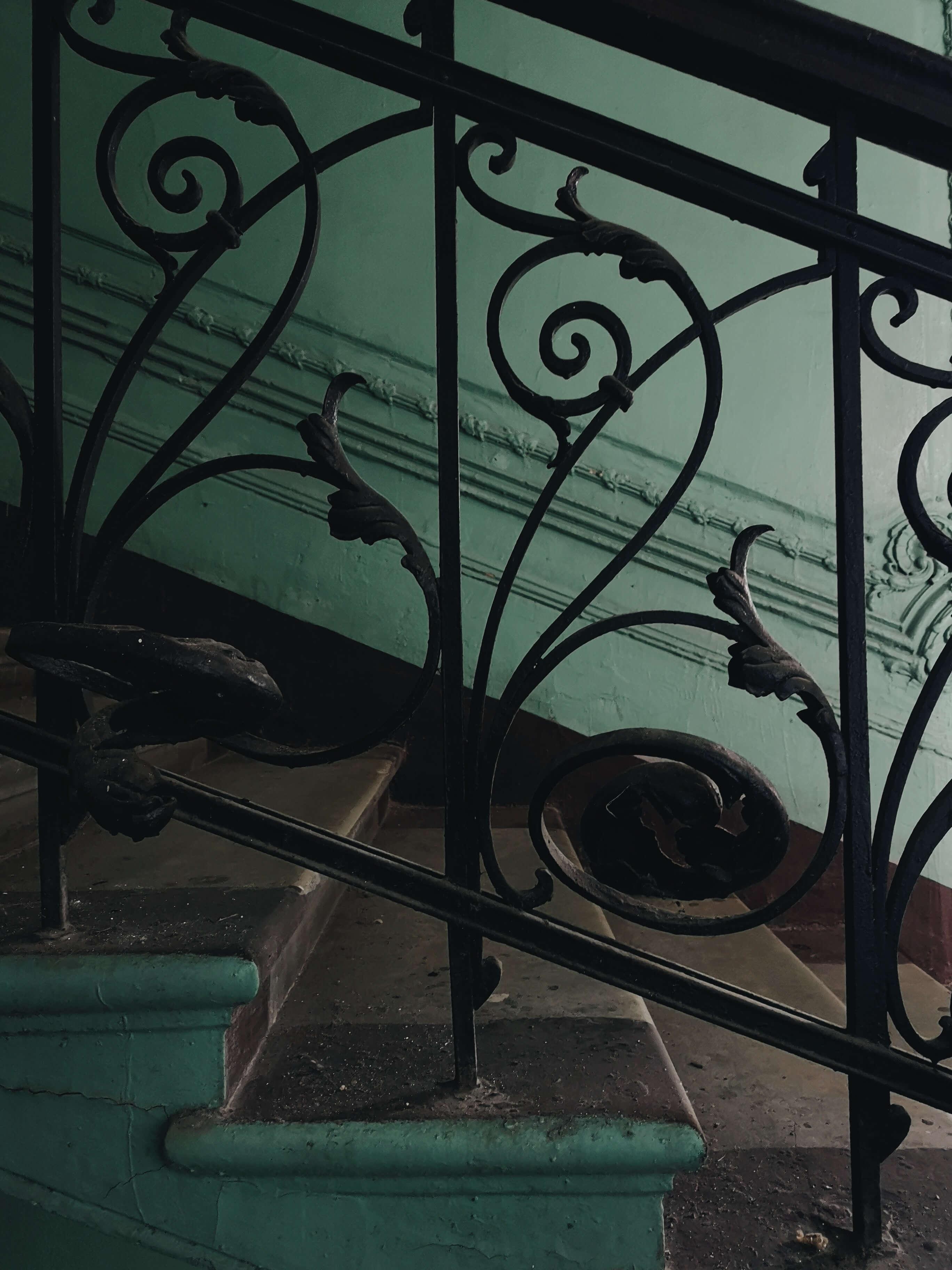 black-metal-ornate-stairway-railing-3511902 (1)