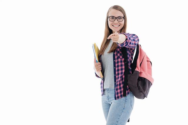 student-4311729_640
